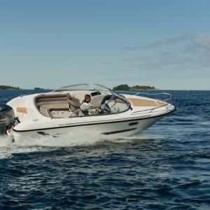 Yamarin 65 DC / Bootmesse im Wasser, das Hamburd ancora Yachtfestival