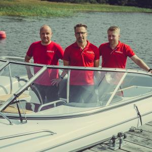 Moto3:n yrittäjät Jussi Hartikainen, Mikko Eestilä ja Sami Törrönen