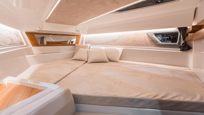 Yamarin 88 DC Premium cabin interior